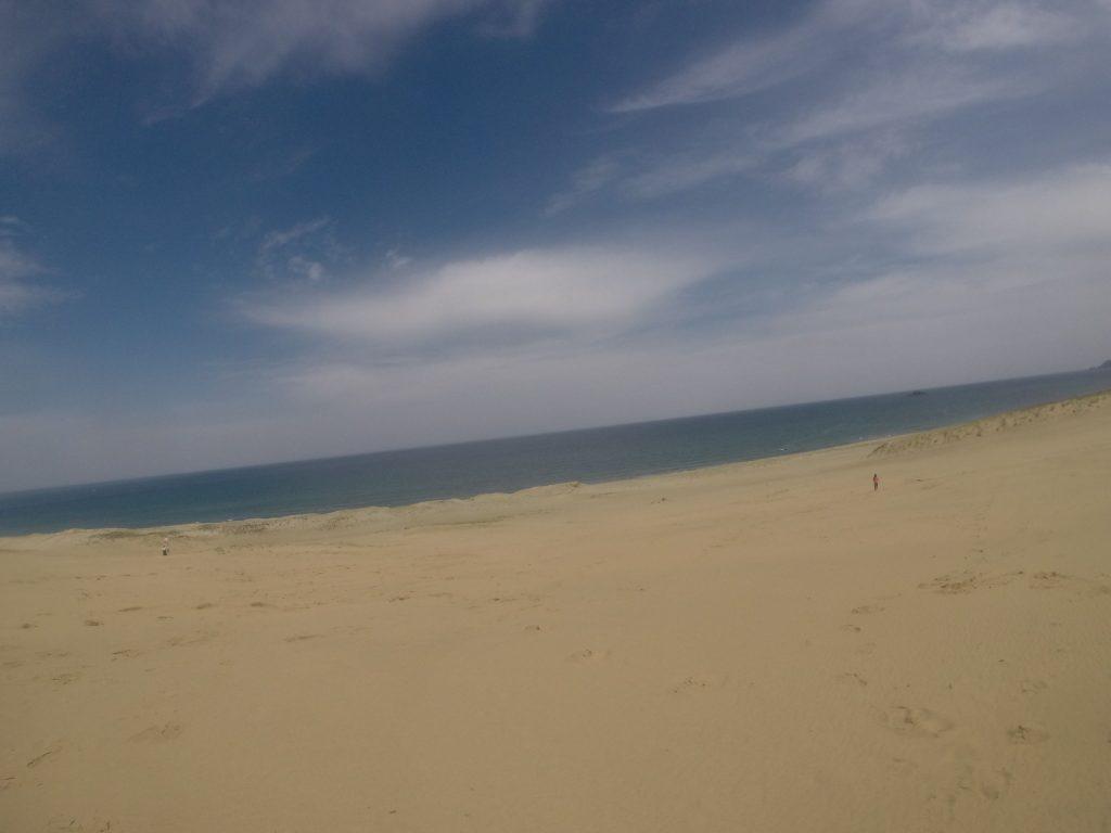 のびやかな雰囲気広がる小春日和の鳥取砂丘
