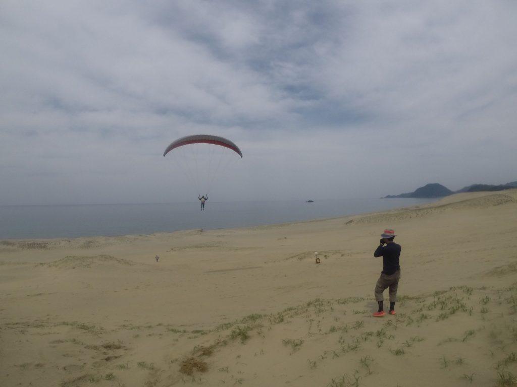 かなり遠くの海岸べりまで飛行できましたね!