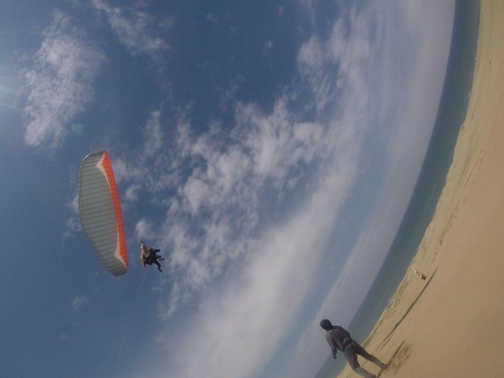 イッキに高く舞い上がって、砂丘フライトを満喫しました♪
