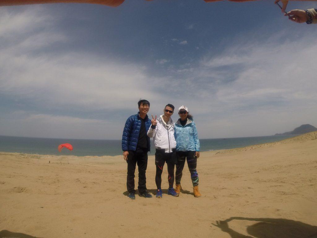 はるばる海外から、鳥取砂丘で大きくジャンプ!