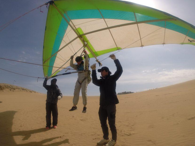 パワフル北東風、ハンググライダーの出番だ