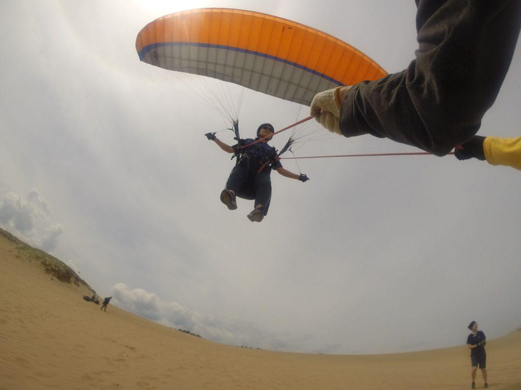 お仲間そろって、鳥取砂丘の空を楽しみました^^