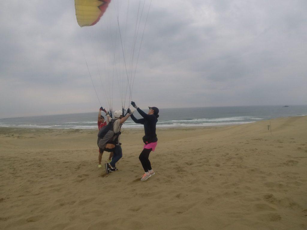 風は安定の北東風!離陸は走って!走って!飛距離を伸ばします