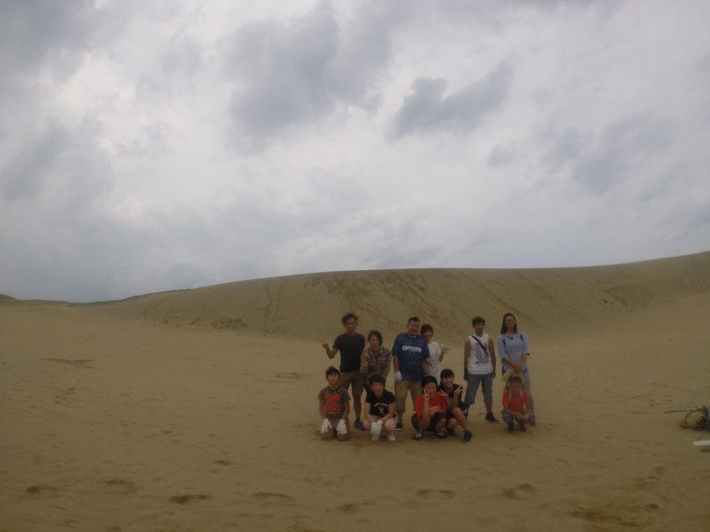 3組のご家族がお越しくださいました。 午前の部は高い丘から飛んでいただきました。