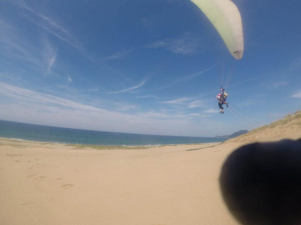 最後はタンデム! 高さをつけて飛んでいきます。
