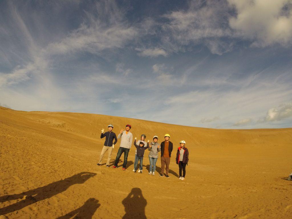 朝早くから元気にお越し頂きました♪ 「砂のさざ波」と言われる風紋も誰も足を踏み入れておらず一味違う世界観でしたね.